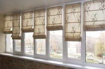 римские шторы в салоне